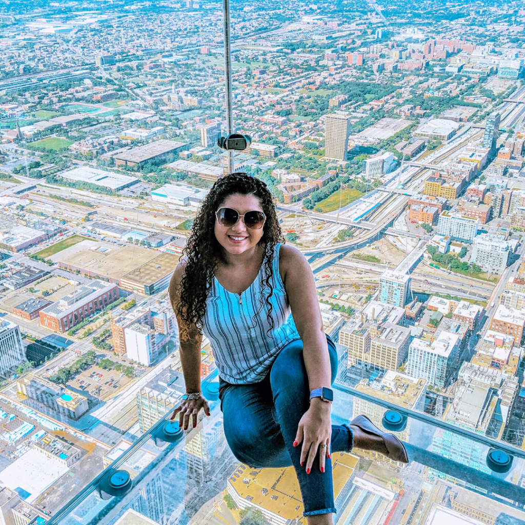 lady sitting in chicago skydeck